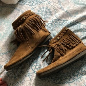 Minnetonka Ankle Fringe Booties